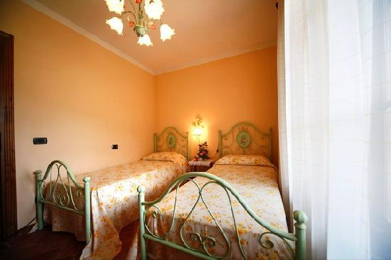 Pruneta di Sopra: One of the 4 bedrooms