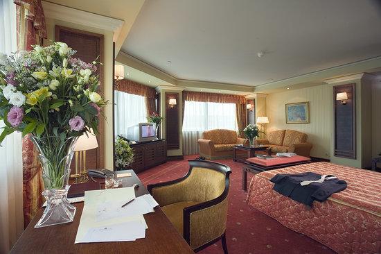 Grand Hotel Sofia: Corner suite