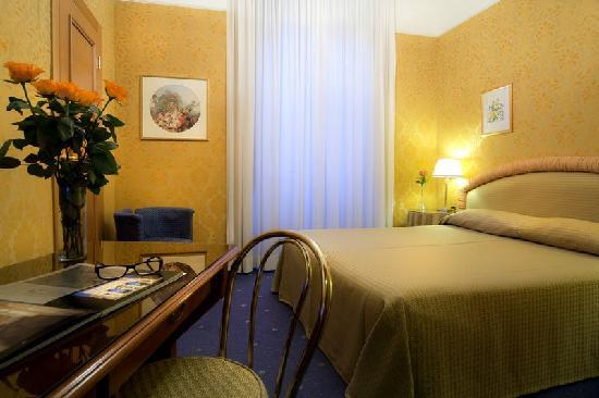 Marcella Royal Hotel: Standard room