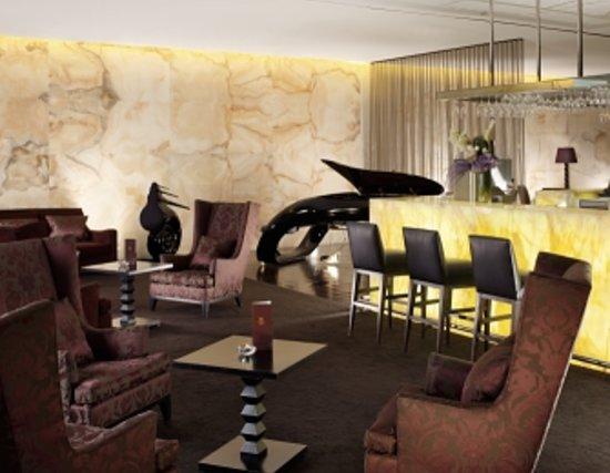 Lobby Bar at Sheraton Lisboa Hotel & Spa