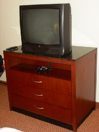 Hilton Garden Inn Allentown West: TV, standard definition