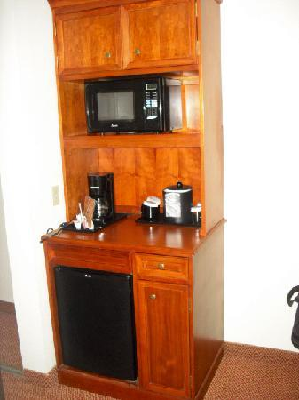 Hilton Garden Inn Allentown West: Frig, micro, coffee maker