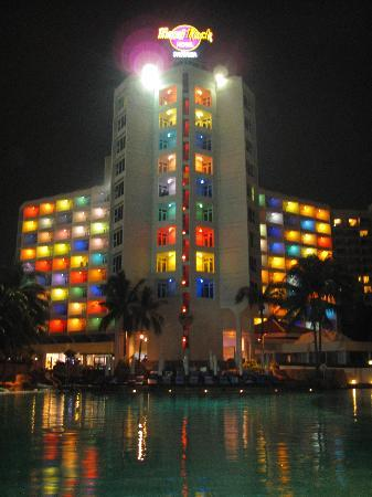 Hard Rock Hotel Pattaya: Hotel bei Nacht