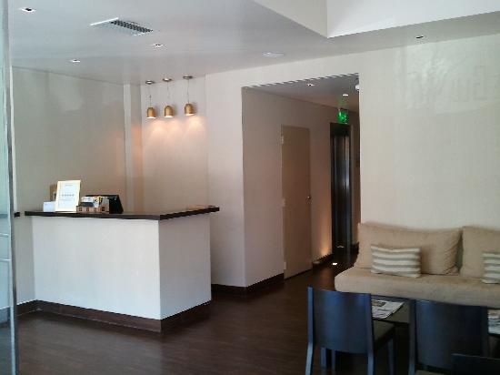 The Glu Hotel : Reception Area