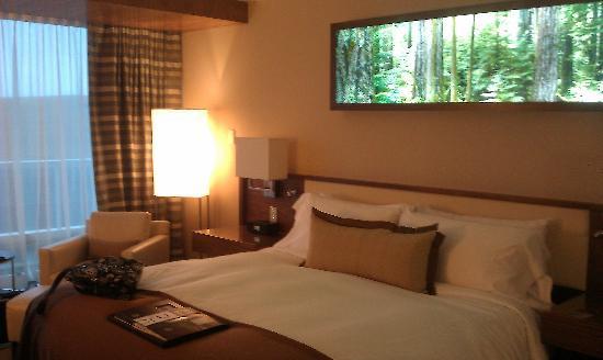 Fairmont Pacific Rim: The room