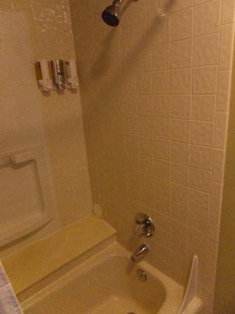 Hilltop Inn & Suites張圖片