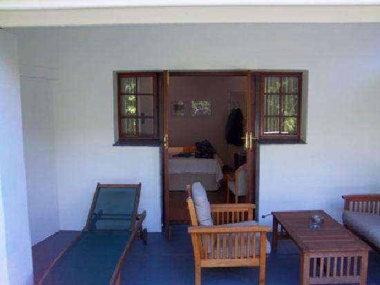 Cape Khamai Guest House: überdachte Terrasse