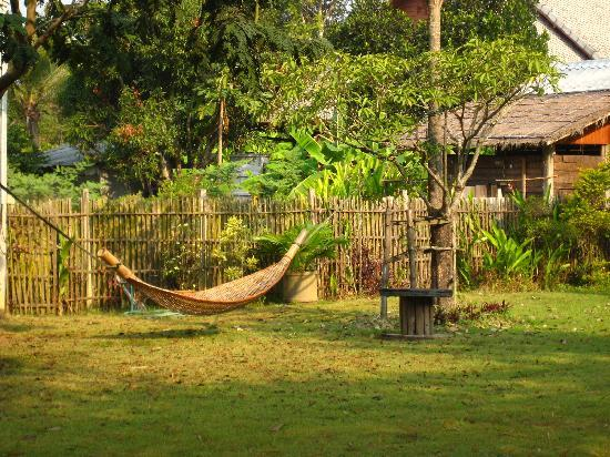 Romyen Garden Resort: Hammock