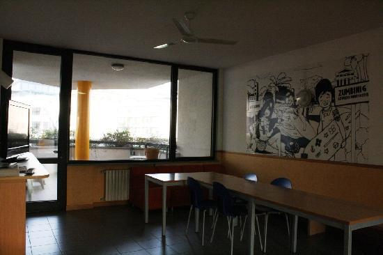 Hotel Residence Zumbini 6 : Spazi comuni: sala pranzo-tv