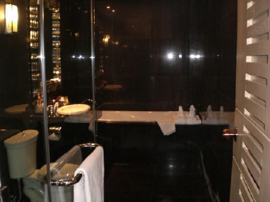 Bless Residence: Black Marble Bathroom