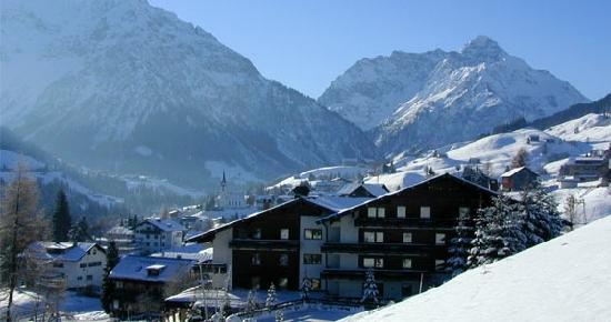 Hirschegg, Österreich: Suitehotel im Winter