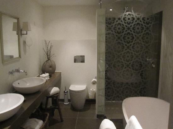 Nimb Hotel: Beautiful Bathrom!