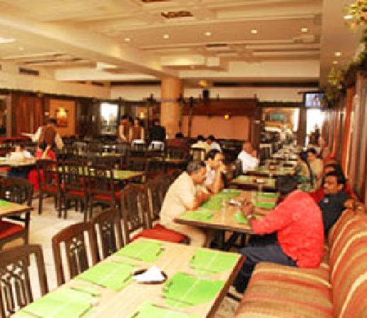 Nice ambiance picture of sagar ratna new delhi for Ambiance cuisine nice