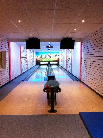 Hotel Cesa Tyrol : il bowling interno dell'hotel