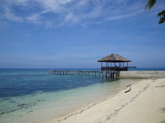 Togian Islands, Indonesia: vervallen pier
