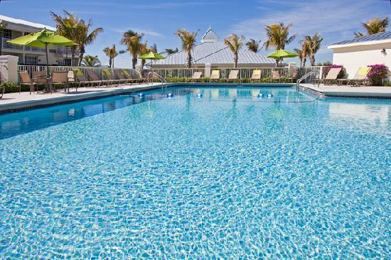 Holiday Inn Express North Palm Beach - Oceanview : TAKE A DIP IN OUR FABULOUS POOL