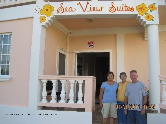Sea View Suites: Mrs Chan with us