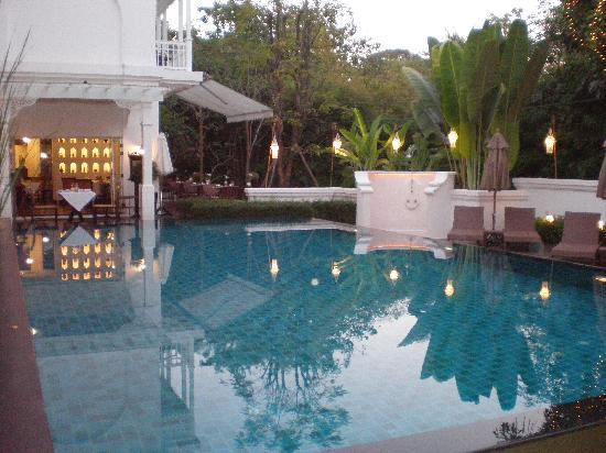 Ping Nakara Boutique Hotel & Spa: Looking across the pool