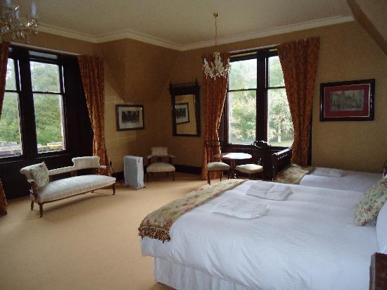 Duncraig Castle: Our room