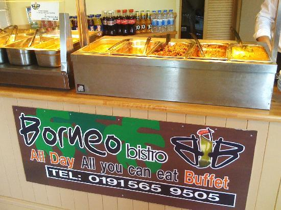 Borneo Bistro: Everything freshly prepared and steaming hot