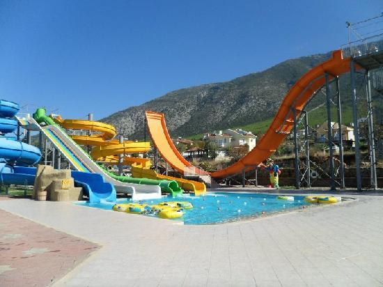 The Grand Ucel Hotel: waterpark
