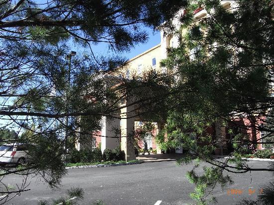 แฮมตั้นอินน์แอ่นด์สวีสสเตย์เท่นไอซ์แลนด์: Hampton Inn&Suites Staten Island
