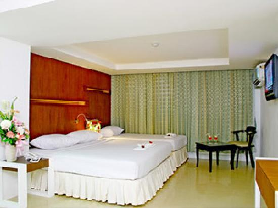 Khurana Inn: room