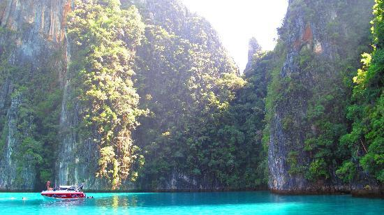 เคปพันวา, ไทย: Phi Phi Island boat trip