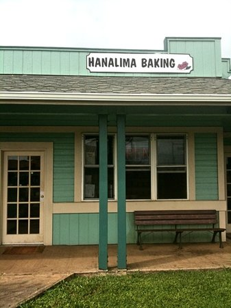 Hanalima Bakery: The very popular local bakery.