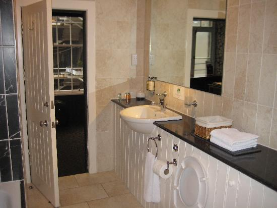 Royal Mile Residence : bathroom
