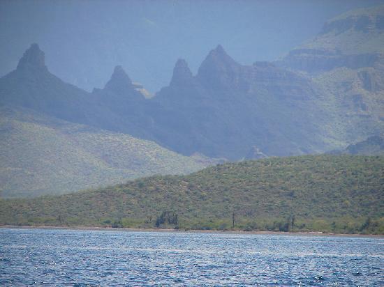 Dos Mundos: Awesome mountains