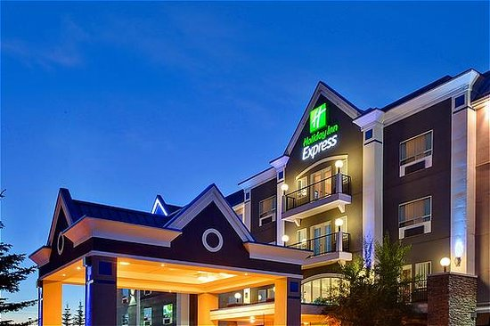 Holiday Inn Express Hotel & Suites Calgary South: Exterior Holiday Inn Express Calgary South