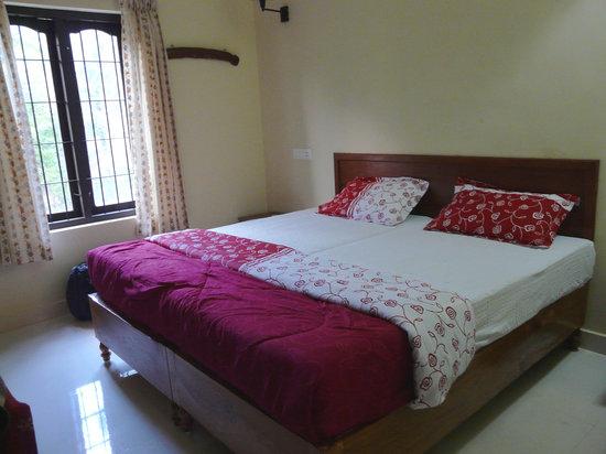 Edamala Homestay : Bedroom, Edemala Residency