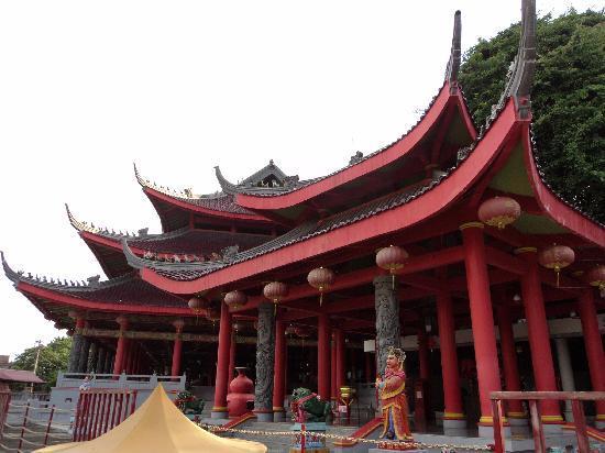 Sam Po Kong Temple: temple
