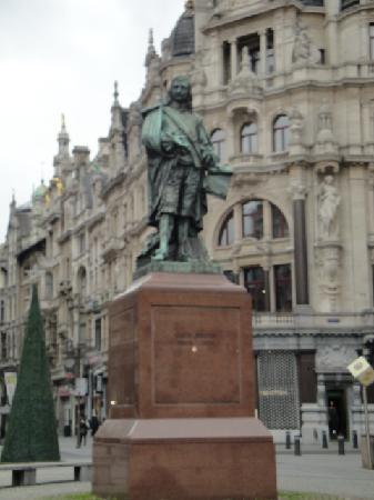 Meir en de Keyserlei: Die Statue flämischen Malers David Teniers