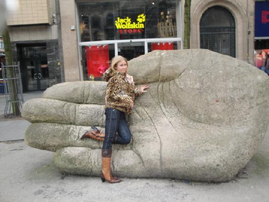 Meir en de Keyserlei: Die Steinhand