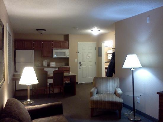 GrandStay Hotel & Suites Perham, MN: Viewing the kitchen from the living room area