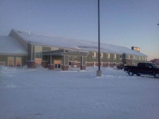 GrandStay Hotel & Suites Perham, MN: The hotel after the huge blizzard.  They were quick to plow out afterwards.