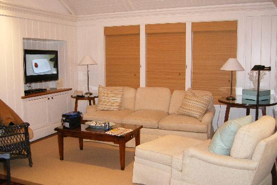 Harbor View Hotel: Living room in cottage