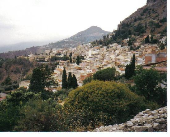 Taormina sicily taken from teatro greco picture of for Taormina sicilia