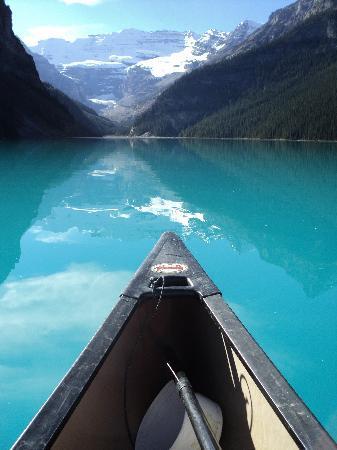 แฟร์มอนต์ ชาโตว์ เลคหลุยส์: On the Lake