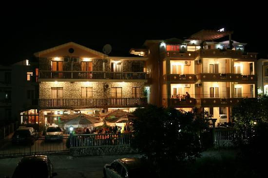 Villa Primafila: Foto bei nacht