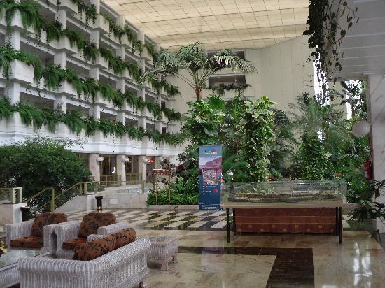 Spring Hotel Vulcano: Blick in die Eingangshalle des Vulcano