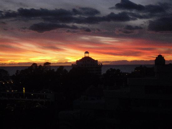 Spring Hotel Vulcano: Sonnenuntergang, Blick vom Balkon unseres Zimmers