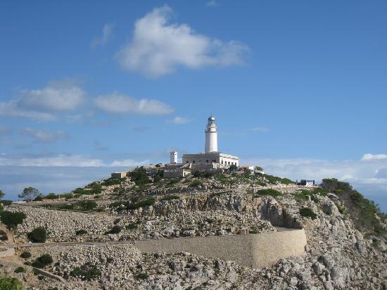 Cap de Formentor: Lighthouse at end of cape