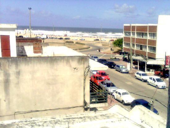 Hotel Americana: Vista desde la habitación a playa brava