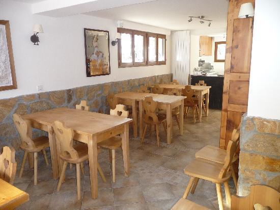 Hotel Arolla : Salle des petits-déjeuners