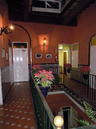 Babel Hostel Sevilla: Upstairs at the hostel.