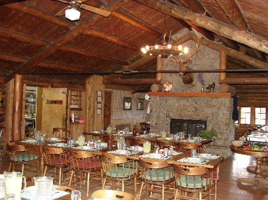 Paradise Guest Ranch: Rustic Dining Lodge