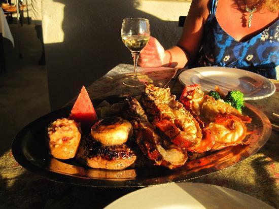 Adauto's On The Beach : Dinner tres amigo's